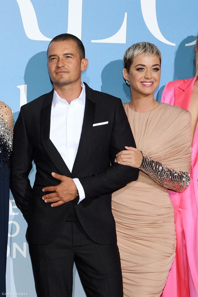 Szeptember 26-án Monacóban gáláztak ők együtt, akkor sem történt túl sok: Perry belekapaszkodott Bloom karjába.