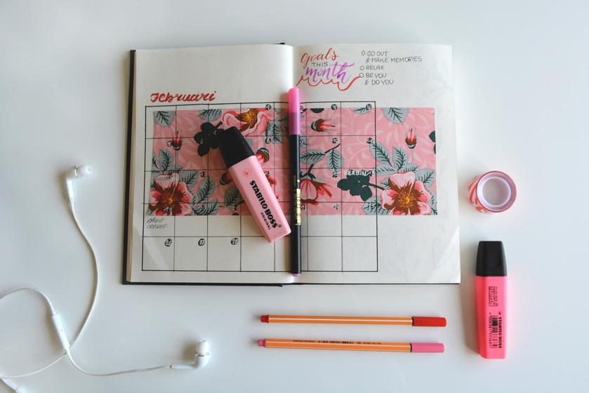naptár notesz időrend (1)
