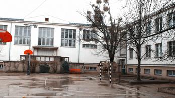 A tankerület nem tudja értelmezni a lemondott általános iskolai igazgató segélykiáltását
