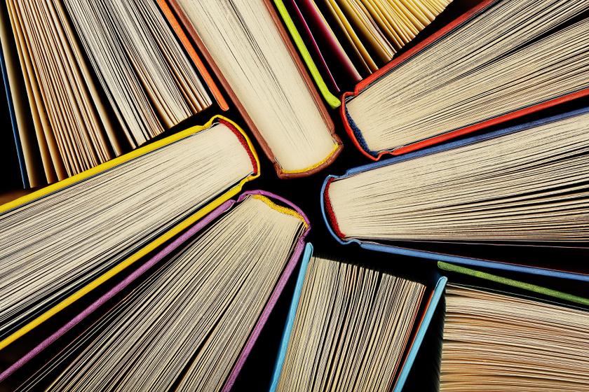 10 szuper könyv kamaszoknak karácsonyra: megszerettetik az olvasást