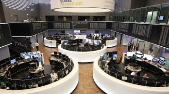 55 milliárd eurónyi adót csalhattak és kerülhettek el európai bankok