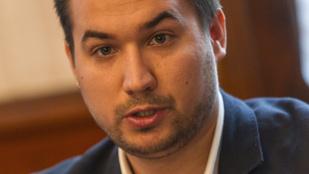 A Momentumból érkezett Puzsér kampányfőnöke