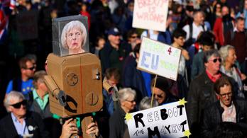Hétszázezer ember tüntetett Londonban a brexit miatt