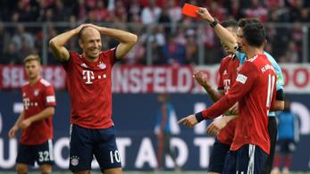 Robben piros lapja sem állította meg a Bayernt