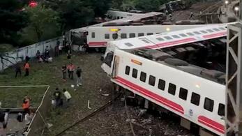 Kisiklott a Puyuma Express: 22 halott, több tucat sérült