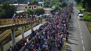 5000 fősre duzzadt az USA felé tartó közép-amerikai menekültcsoport