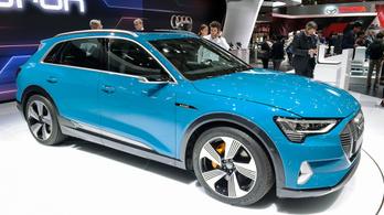 Szoftverhiba miatt késik az Audi villanyautója