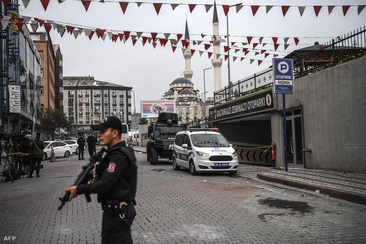 3 héttel Dzsamál Hasogdzsi eltűnése után, megtalálták a szaudi konzulátus egyik autóját egy isztambuli mélygarázsban, 2018. október 23-án