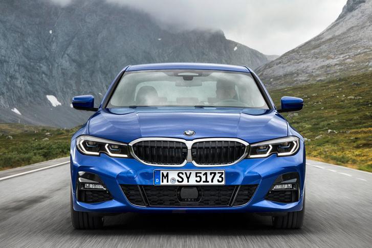 d0e920aa16 Totalcar - Magazin - Több mint másfél millió autót hív vissza a BMW