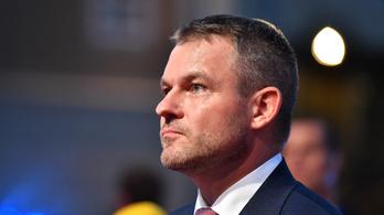 Szarvassal karambolozott a szlovák miniszterelnök