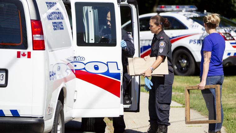 Télapó is volt a kanadai sorozatgyilkos kertész