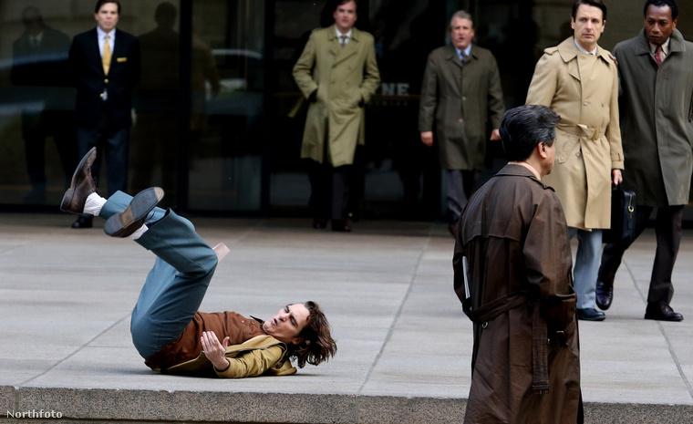 A forgatás Manhattanben zajlott, a Park Avenue-n, de a film természetesen nem New Yorkban játszódik, hanem Gotham Cityben.