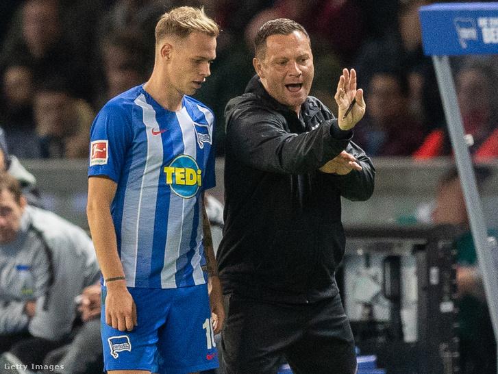 Dárdai Pál ad instrukciókat Ondrej Dudanak a Bayern München és Hertha BSC meccsen 2018. szeptember 28-án