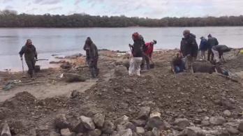 Élő közvetítésünk az érdi Duna-partról, ahol a kincseket találták