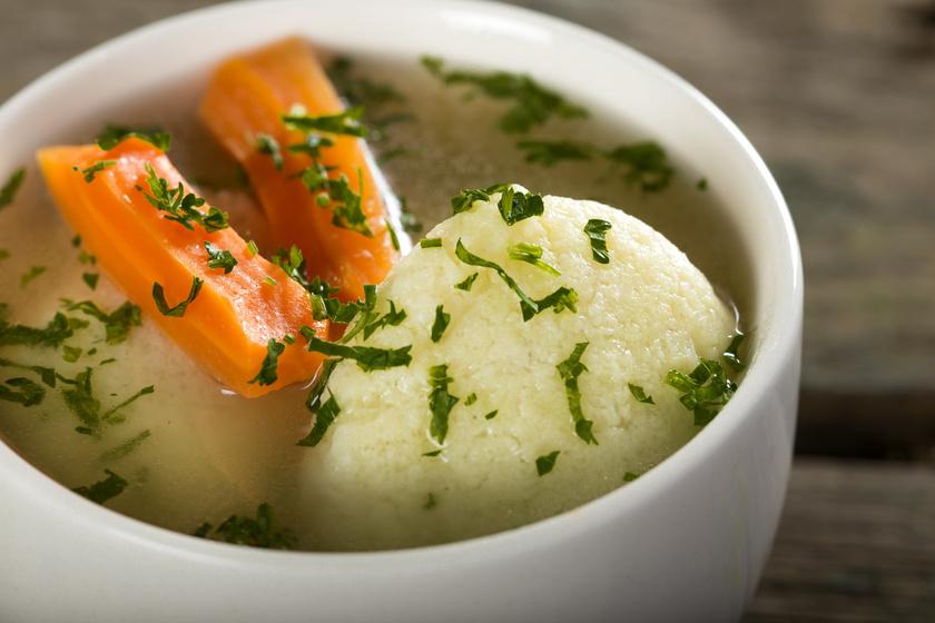 Tökéletes vasárnapi húsleves: így készíts bele puha grízgaluskát