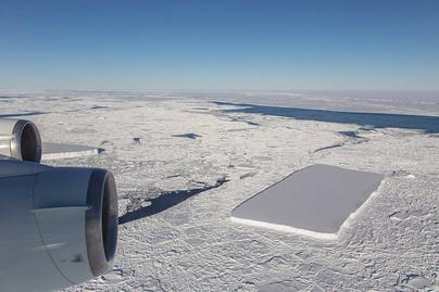 kulonleges jegtomb