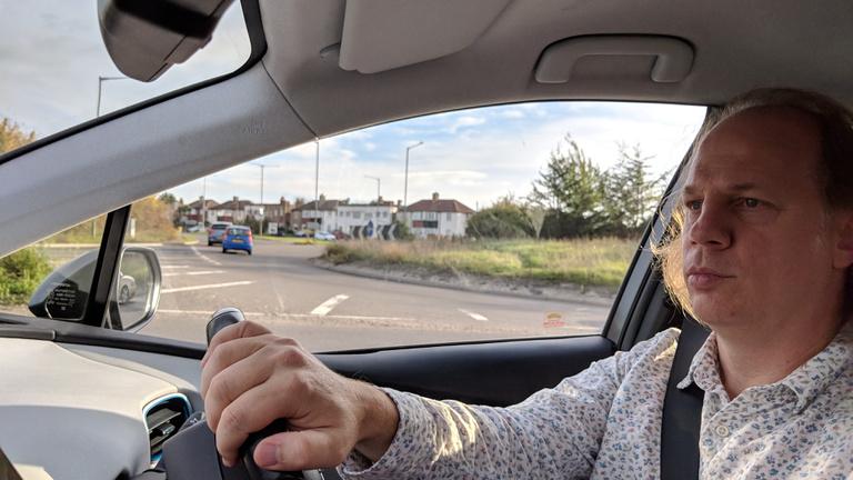 A londoni magyar taxi az új sikerágazat