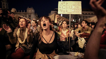 Az ellenzék utcára hívja az embereket a CEU miatt