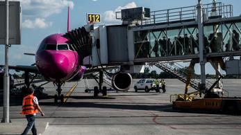 Bombafenyegetés miatt megszakította útját a Wizz Air egyik járata
