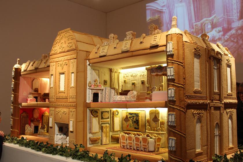 Csodás mézeskalács-palota: 500 órán keresztül készült, és minden részlete tökéletes