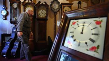 Vasárnap itt a várva várt óraátállítás, egy órával többet alhatunk