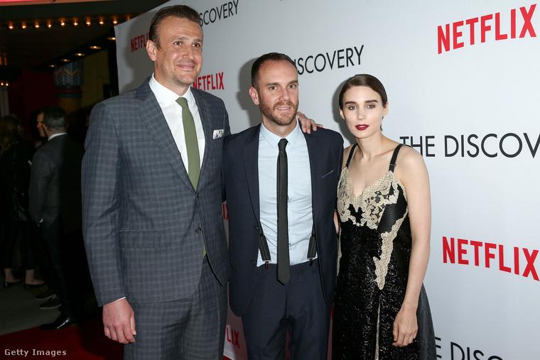 Charlie McDowell, Jason Segel és Rooney Mara között.