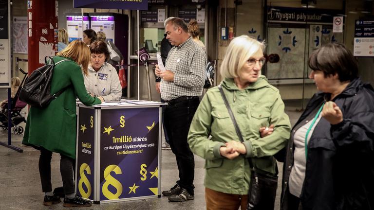 Minden ellenzéki párt aláírásokat gyűjt az Európai Ügyészségért
