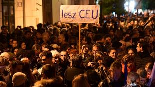 A CEU miatt tüntetnek az ifjú LMP-sek