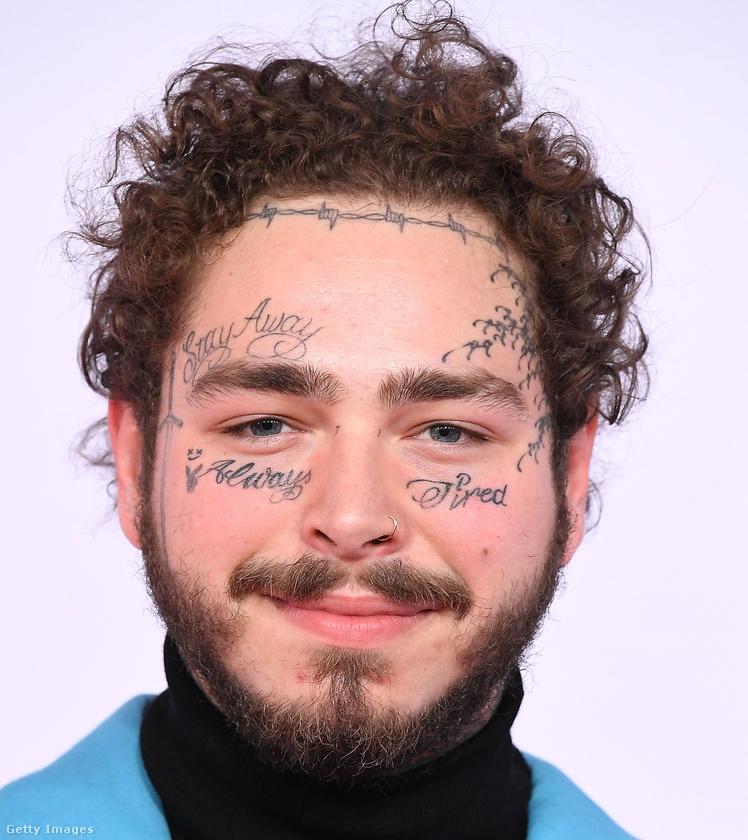 Íme egy fotó róla: Post Malone igazából így néz ki, ő énekli például a Better Now című slágert.