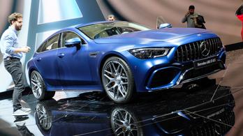 Nem létező rekordot állított fel a Mercedes