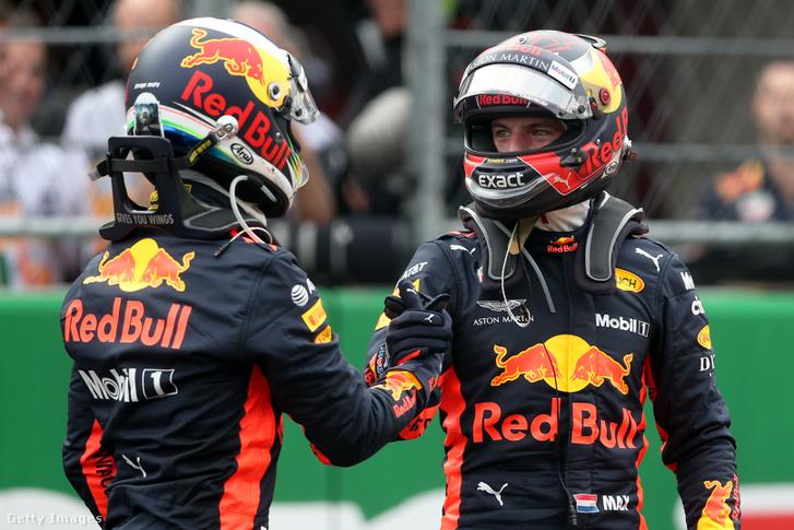 Daniel Ricciardo és Max Verstappen örülnek a kettős Red Bull-vezetésnek