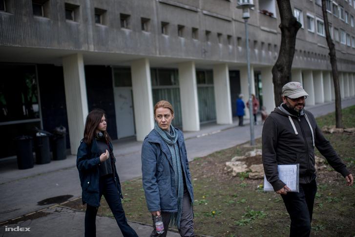 Balsai Móni és Ujj Mészáros Károly forgatás közben