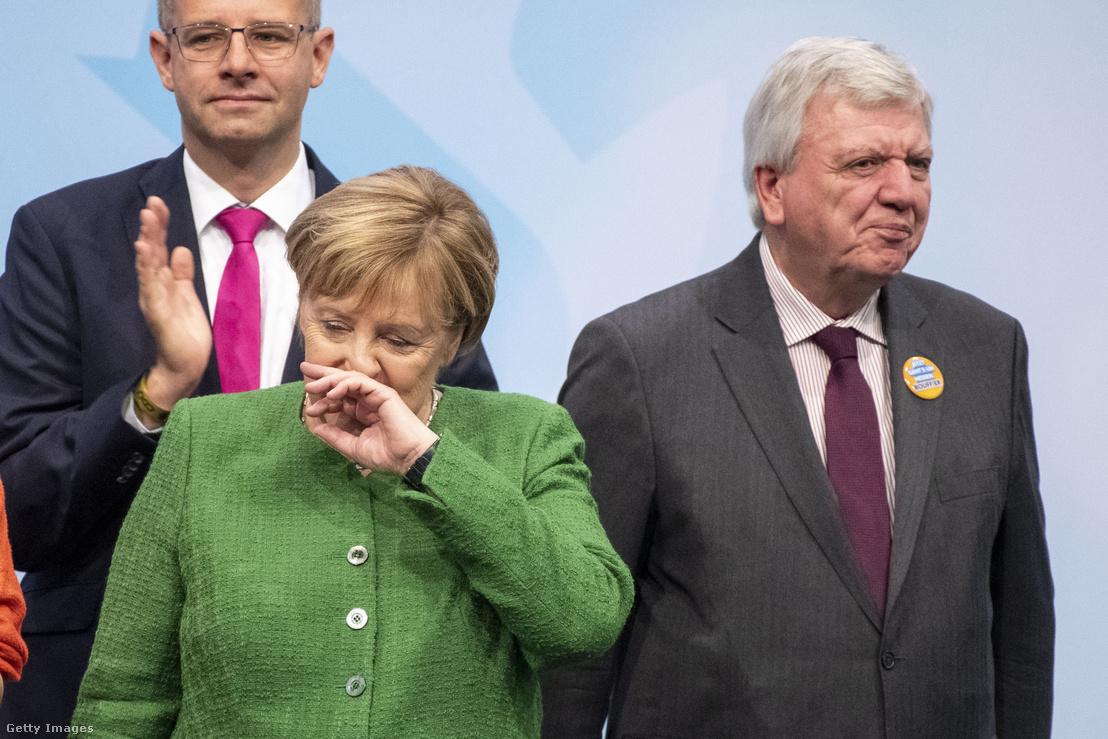 Angela Merkel és Volker Bouffier az október 25-i fuldai választási gyűlésen