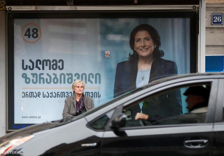 Szalome Zurabisvili választási plakátja Tbilisziben