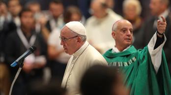 A Vatikán állást foglalt: Isten minden embert szeret, a melegeket is