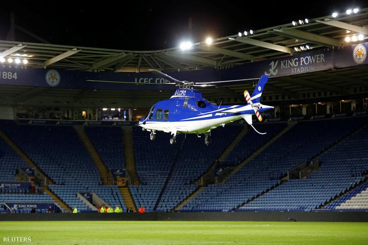 Egy korábbi (2015-ös) fotó arról, hogyan landolt a klubelnök helikoptere a pályán