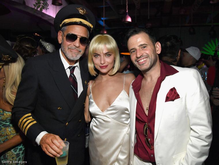 George Clooney szépen körbefényképezkedett mindenkivel a buliban