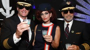 Megvalósult egy álom: George Clooney szexi pilótának öltözött