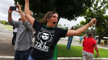 A brazil Trump és a lecsukott exelnök jelöltje között dől el az elnökválasztás
