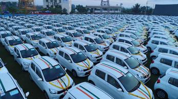 600 autót osztott szét dolgozói között egy indiai milliárdos