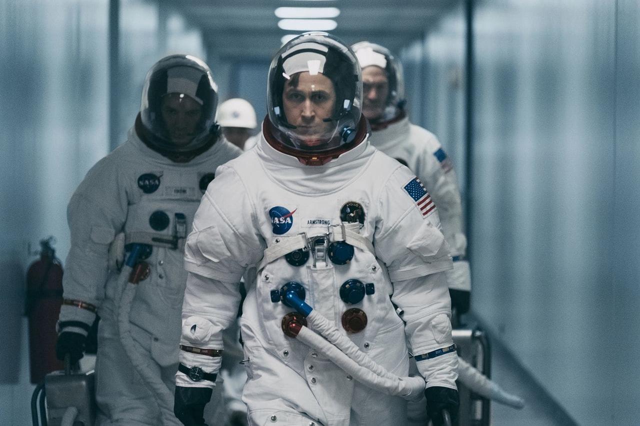 Armstrong, Collins és Aldrin úton az Apollo-11 űrhajó felé – a filmben.