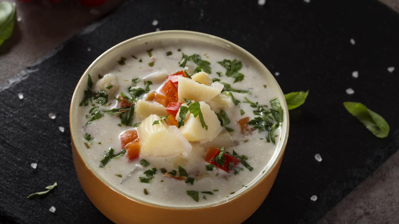 Zöldséges, tárkonyos krumplileves: főfogásnak is beillik