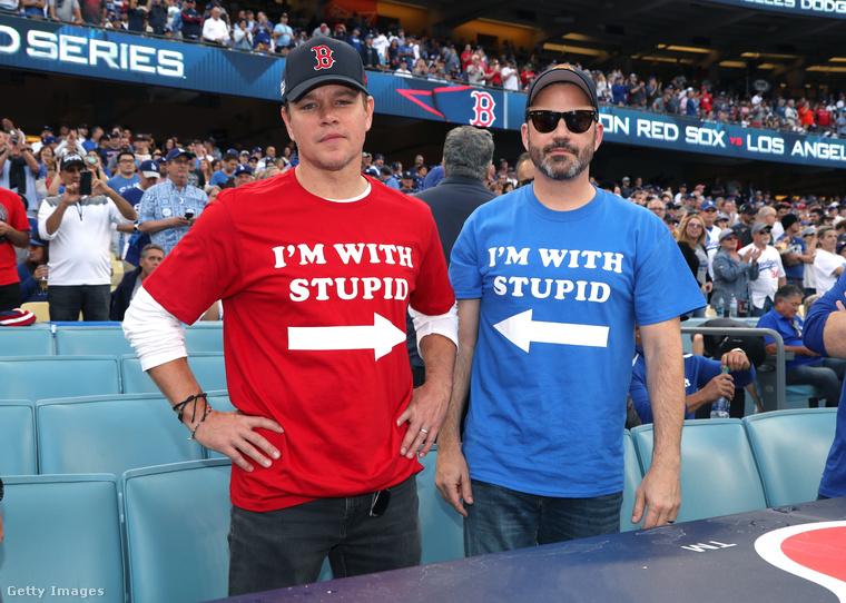 Matt Damon Jimmy Kimmelt is lehülyézte a pólójával, és bizonyára nem véletlen, hogy a műsorvezető-humoristán pont az ellenkező póló volt, hogy frappánsan visszaszólhasson a frappáns beszólásra.