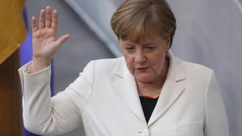 Merkel távozik a pártelnöki posztról, 3 év múlva visszavonul