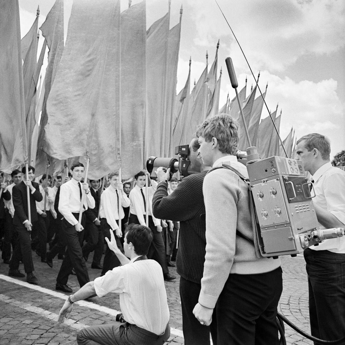 Filmesek a május elsejei felvonuláson, 1968-ban.