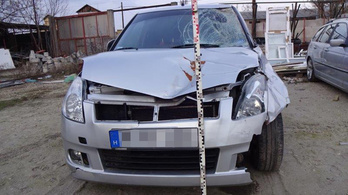 Kilóg a lóláb – egy Suzuki különös közlekedési balesete