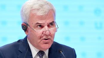 Lemondott az albán belügyminiszter, pedig nem is ő volt drogkereskedő, csak a féltestvére