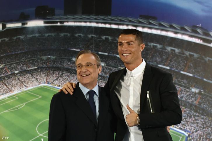 Cristiano Ronaldo és Florentino Perez 2017-ben Madridban amikor a focista szerződését megújították