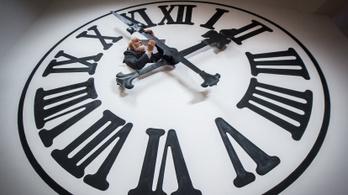 2021-től törölhetik csak el az óraátállítást, ha egyáltalán