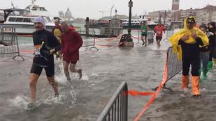 Vízi futóversennyé vált a Velence Maraton